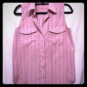 Ann Taylor size 4 sleeveless button down blouse 👚